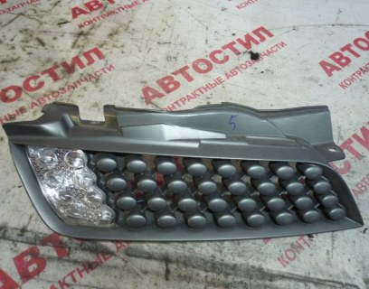 Решетка радиатора Nissan March AK12, BNK12, YK12 CR12 2008 правая